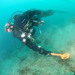 Détecteur Quest Scuba sous l'eau