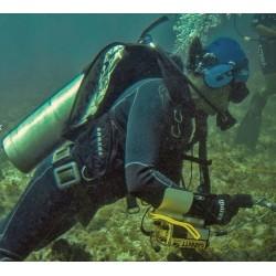 Casque submersible Garrett sous l'eau